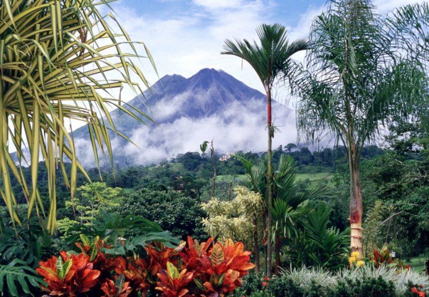 Le volcan Arenal ©Arturo Sotillo