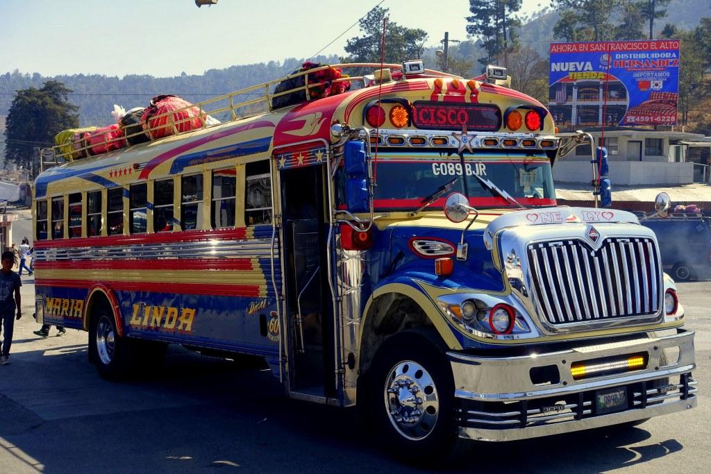 "Antigua Guatemala : ""chicken bus"" ©Mathilde Arnod"