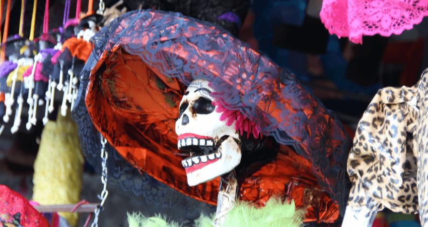 La Catrina dans les rues de Tijuana pour la fête des morts au Mexique ©Thirty Two