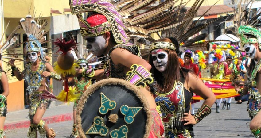 Défilé pour la fête des morts au Mexique - Tepoztlan © MaríaJoséFelgueresPlanells