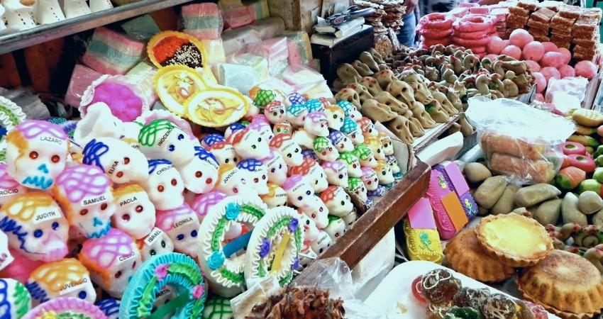 Bonbons et sucreries typiques de la fête des morts au Mexique © Razi Machay