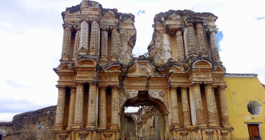 Antigua Guatemala : ruines de l'église de Carmen ©Mathilde Arnod