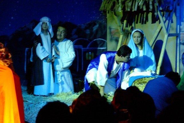 Le pèlerinage de Marie et joseph jouait dans une école