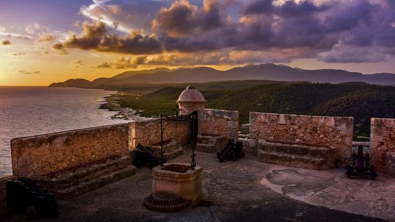 Couché de soleil sur San Pedro de la Roca