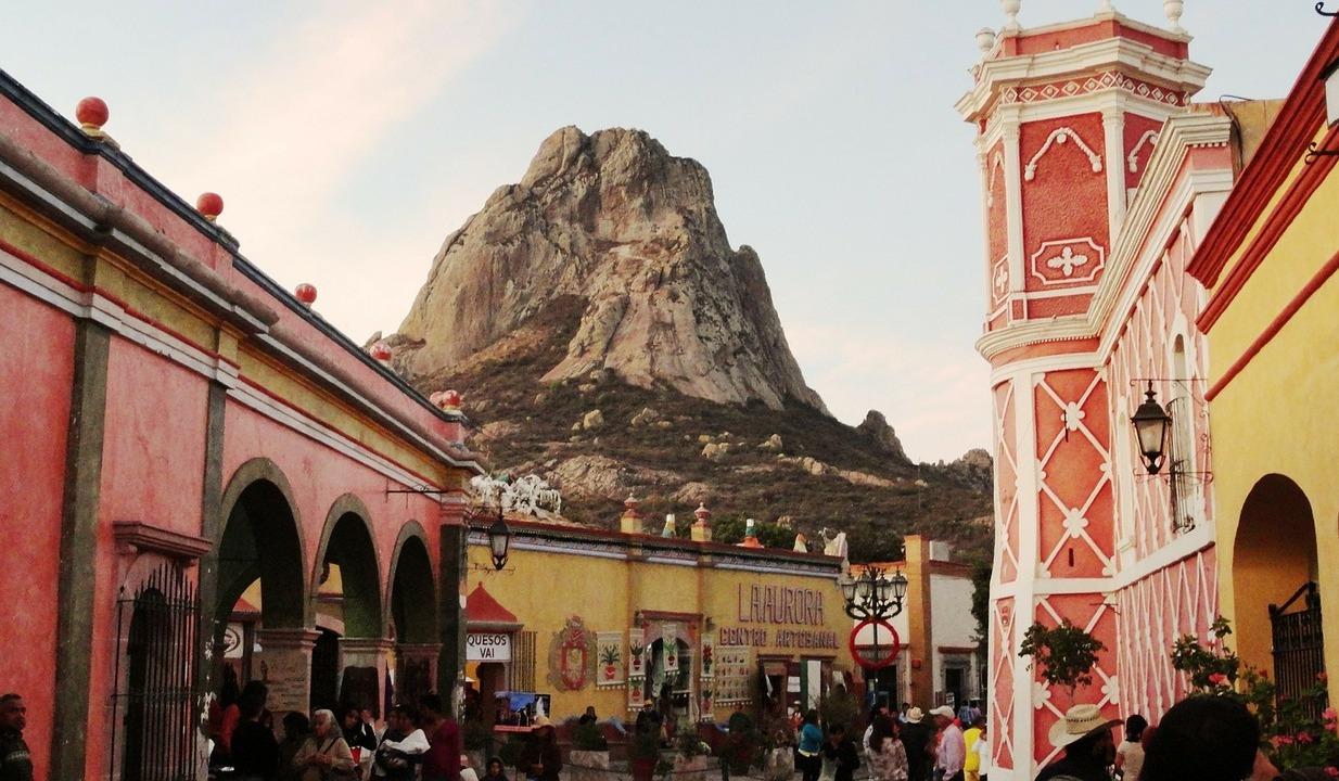 Que faire au Mexique ? - Bernal et son monolithe © Juan Luis Torres Pixabay