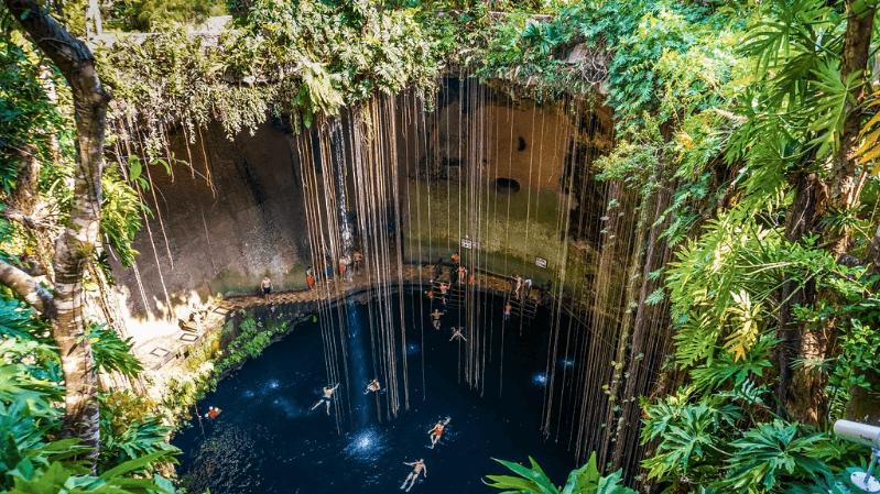 Le cenote Ik Kil - Flickr : Boris G