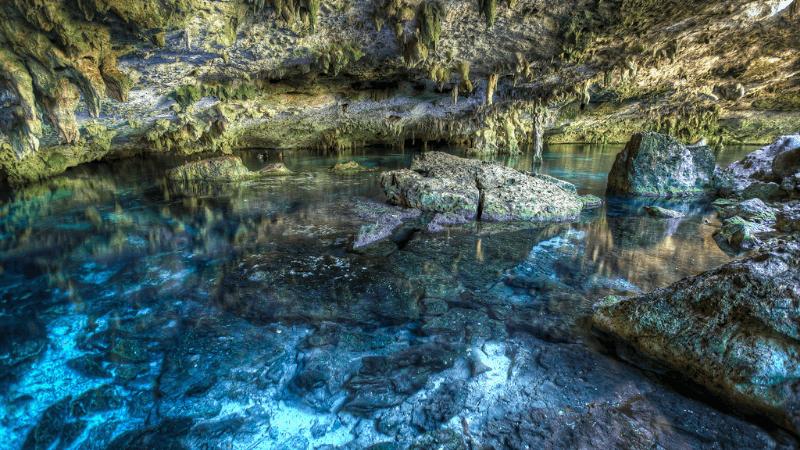 Le cenote Dos Ojos - Flickr : Carlos Ortega